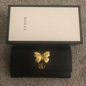 Gucci 💯 continental wallet with butterfly